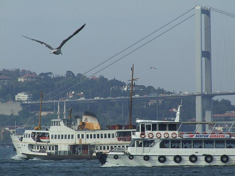 800px-BosporusRushHour