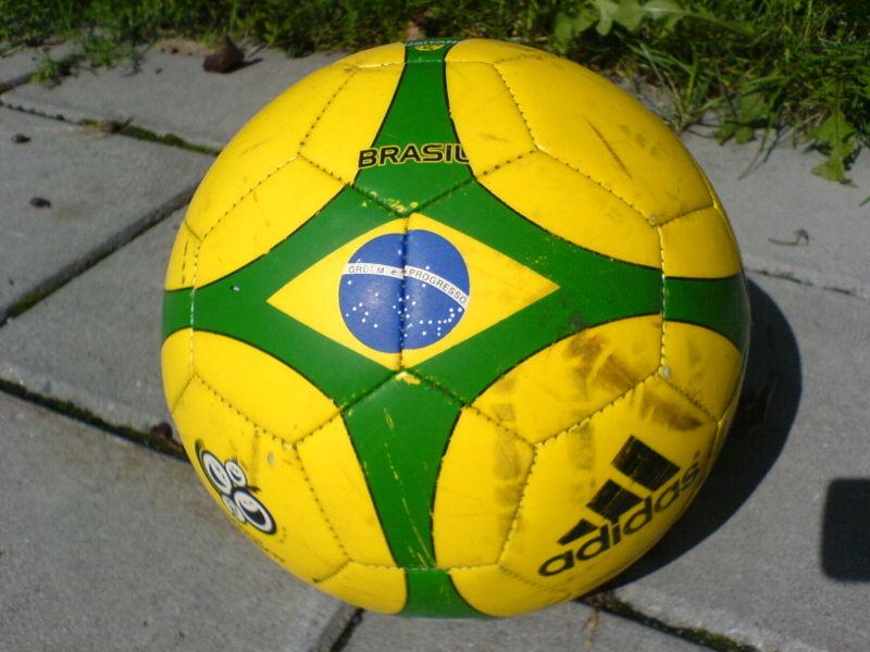 Ficheiro:Brasil ball 2006.JPG
