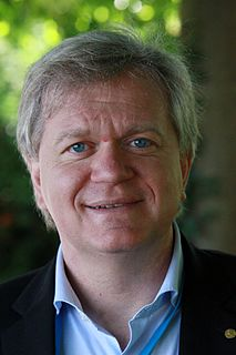 Brian Schmidt Vice-Chancellor of the Australian National University, Nobel prize winning professional astronomer (born 1967).