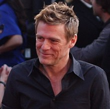 Bryan Adams at 2009 Juno Awards (02) (cropped).jpg