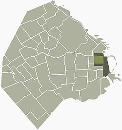 Location of the CBD (light and dark green) and the Microcenter (light green) within Buenos Aires.