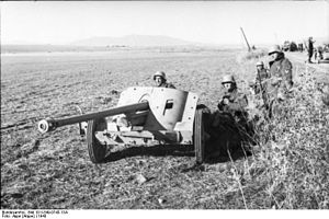 5 cm Pak 38 - German soldiers with 5cm Pak 38 during the Tunisian Campaign