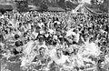Bundesarchiv Bild 102-08109, Berlin, Badende im Wannsee.jpg