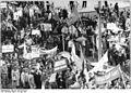 Bundesarchiv Bild 183-1983-0520-016, Cottbus, Friedensdemonstration.jpg