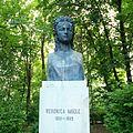 Bustul Veronicăi Micle din Parcul Copou, Iaşi.jpg