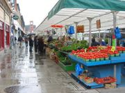 The Byward Market provides fresh produce throughout the warm months