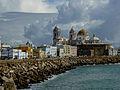 Cádiz, mar y conjunto histórico.jpg