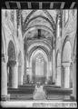CH-NB - Romainmôtier, Abbatiale, Nef, vue partielle intérieure - Collection Max van Berchem - EAD-7494.tif