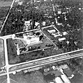COLLECTIE TROPENMUSEUM Luchtfoto van de Grote Moskee Medan TMnr 10016534.jpg