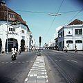 COLLECTIE TROPENMUSEUM Straatgezicht Tunjungan TMnr 20018015.jpg