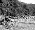 COLLECTIE TROPENMUSEUM Verwoesting van de spoorweg in de Anei kloof aan de westkust van Sumatra TMnr 10021896.jpg