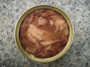 Wet (Canned) cat food example (Fish flakes in ...
