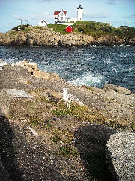 File:Cape Neddick Light, 2.jpg