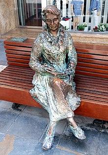 Estatua a Carmen Conde - Cartagena, (España)