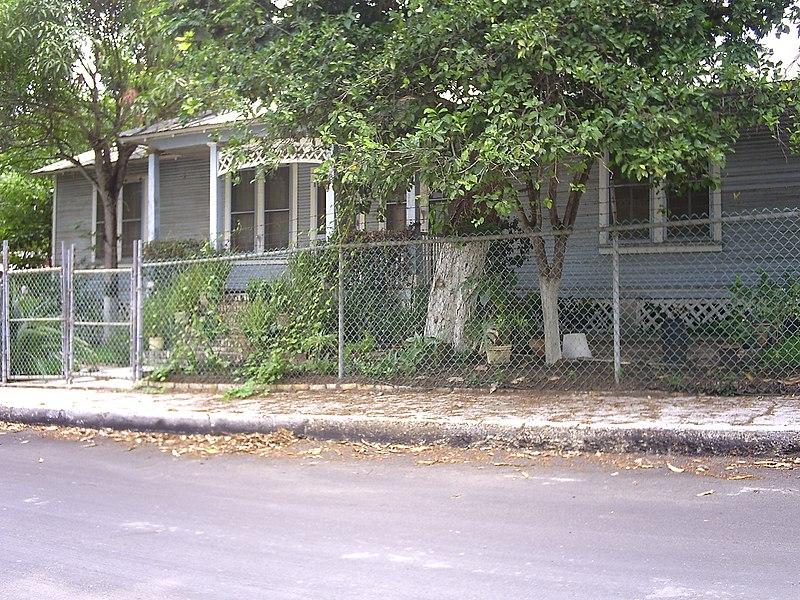 File:Casa de Tipo Americano en el Campo 18 de Marzo - panoramio.jpg