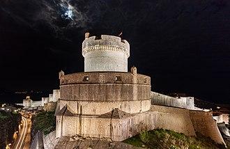 Walls of Dubrovnik - Walls of Dubrovnik with sight on Minčeta Tower