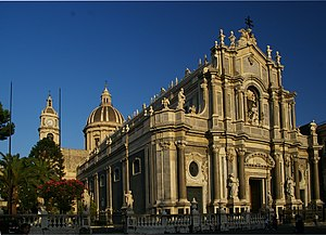 English: Catania Duomo from Sicily Français : ...