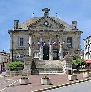 Châteauneuf-sur-Charente - Town hall