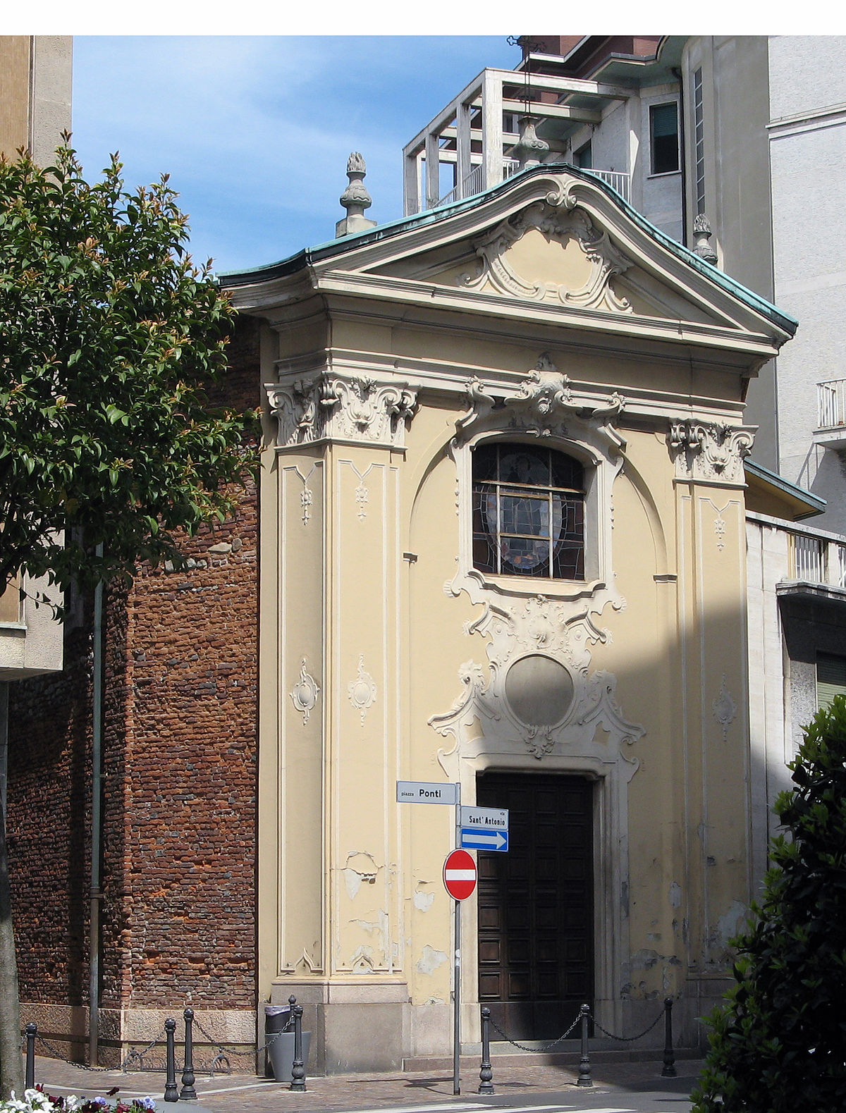 Chiesa di sant 39 antonio abate gallarate wikipedia for Arredo bimbo sant antonio abate
