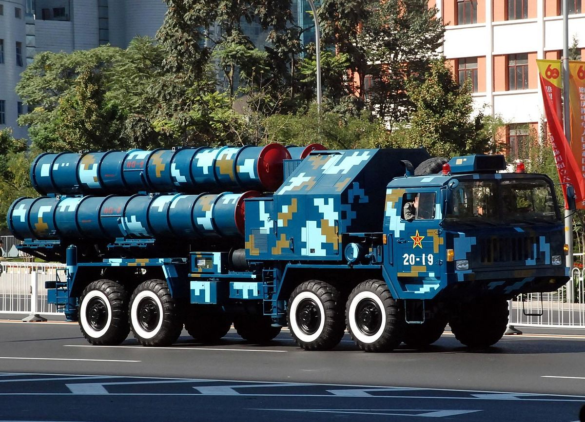 Chinese HQ-9 SAM TEL, Photo by Jian Kang, CC BY 3.0, via Wikimedia Commons