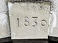 Clé de liinteau datée de 1830.jpg