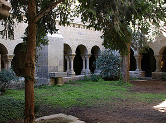 Sant Benet de Bages - The cloister