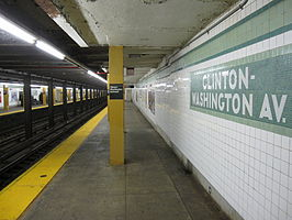 Clinton–Washington Avenues IND Crosstown 1296.JPG