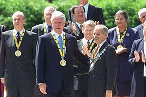Charlemagne Prize - Bill Clinton, recipient in 2000, along with earlier recipients King Juan Carlos I of Spain, Václav Havel and Simone Veil