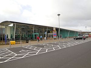 Cobham services - Image: Cobham Extra Services on the M25 geograph 3418336 by Paul Gillett