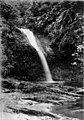 Collectie Nationaal Museum van Wereldculturen TM-60005687 De Blue Basin waterval Trinidad fotograaf niet bekend.jpg