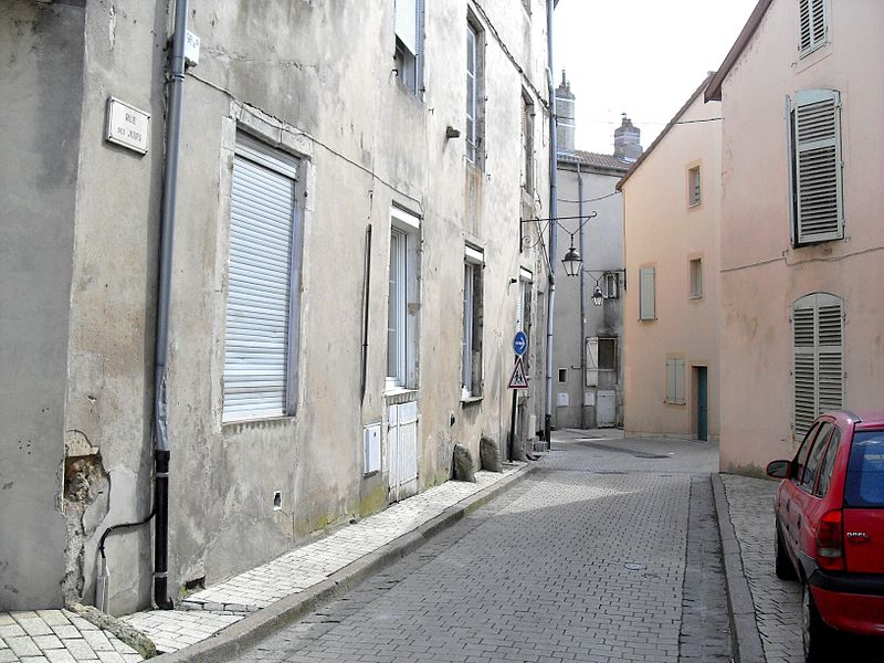 Commercy (Meuse, France) - La Rue des Juifs est une petite ruelle tortueuse près de l'église...