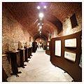 Cripta di Sant'Anastasio, corridoio principale a colori.JPG