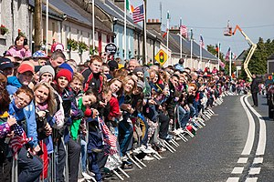 Public image of Barack Obama - Crowd watches Obama's approach in Moneygall, Ireland, May 23, 2011.