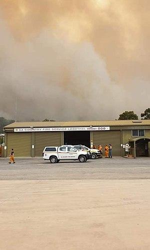 Cudlee Creek fire from Lobethal.jpg
