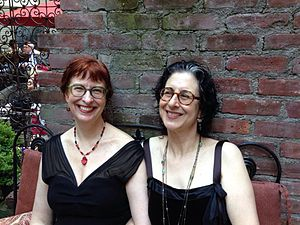 Ellen Kushner - Delia Sherman (l.) and Ellen Kushner.