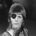 David Bowie - TopPop 1974 03.png