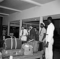 De bagageband in het stationsgebouw op vliegveld Hato op Curaçao, Bestanddeelnr 252-7694.jpg