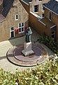 Den Haag - Madurodam - Standbeeld van Comenius Naarden.jpg