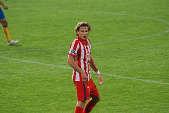 Diego Forlán - Forlán playing for Atlético Madrid.