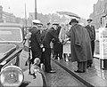 Eerste dag bezoek Noorse Koning , aankomst bij boot voor boottocht, Bestanddeelnr 906-6607.jpg