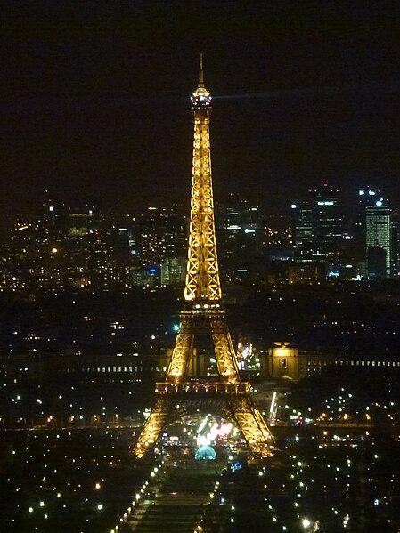 File:Eiffelturm bei Nacht.jpg