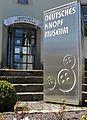 Eingang Knopfmuseum.JPG