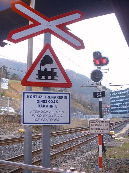 File:Elgoibar - Estación de Euskotren 01.JPG