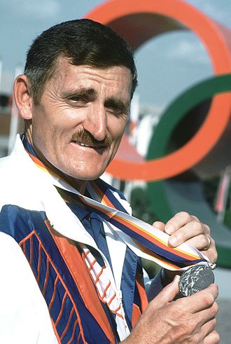 Shooting at the 1988 Summer Olympics – Men's 10 metre air pistol - Erich Buljung with his silver-medal