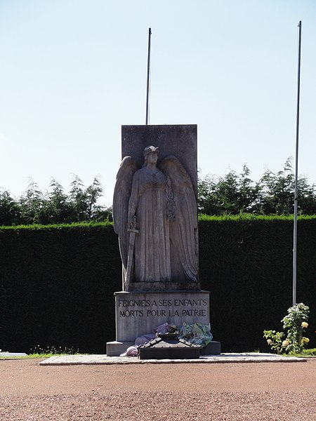 Feignies (Nord, Fr) monument aux morts.