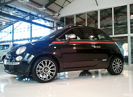 Exterior of the Fiat 500 with the Gucci package Fiat500byGucci1.jpg