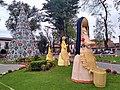 Figuras del Nacimiento en Parque Vasco de Quiroga, Pátzcuaro, Michoacán.jpg