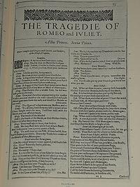 Faksimiler af første side i The Tragedie of Romeo and Juliet fra First Folio, publiceret i 1623