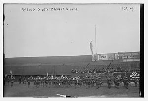 1918 Chicago Cubs season - Image: Flag Day game at the Polo Grounds, Giants vs. Cubs on June 14, 1918