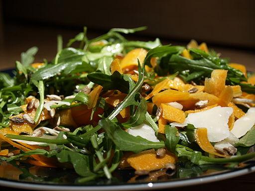 Flickr - cyclonebill - Salat af rucola, gulerødder, parmesan og solsikkekerner
